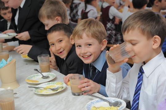 В Івано-Франківській ОДА повідомили: перша леді України буде опікуватися питанням харчування дітей в школах