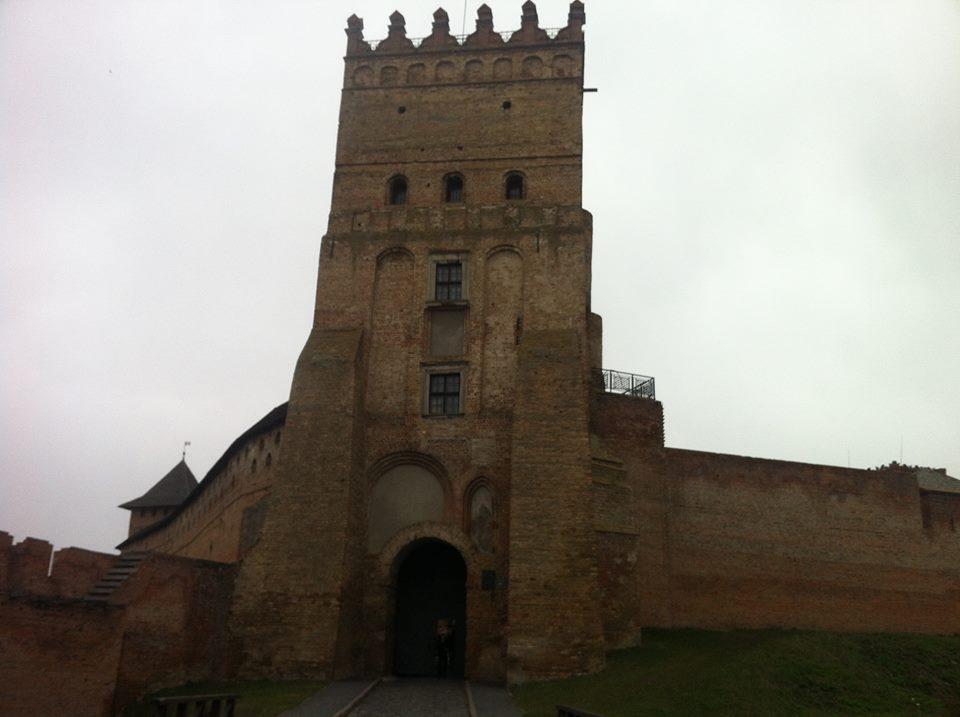 Enable Wallpaper Carousel On Miui 8 2: Скільки коштів заробили у Луцьку за вхід у замок Любарта?