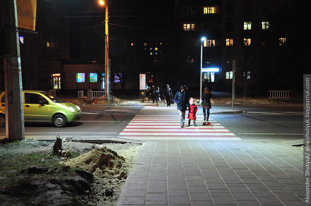 В Івано-Франківську освітили 18 пішохідних переходів
